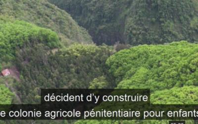 Une autre maison de correction de 1864 en voie de défrichage: c'est à la Réunion, à l'Îlet à Guillaume, paysage de lui même forteresse